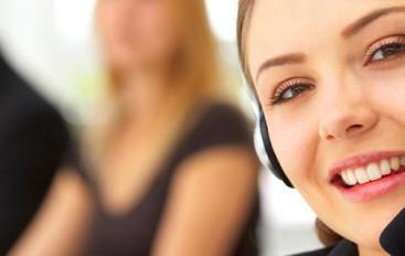 Angielski w call center – 5 przydatnych zasad i fraz